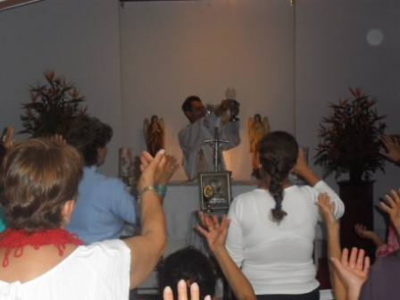 visita-reliquias-faustina-3.JPG