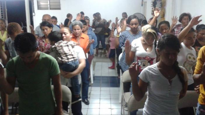 Inicio de la comunidad Sumergidos en la Misericordia de Dios en Panamá.
