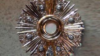 ¿Qué mensaje da Dios con el nuevo milagro eucarístico en Polonia?