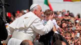 El Papa alerta contra el clericalismo y dice que los laicos son el corazón de la Iglesia