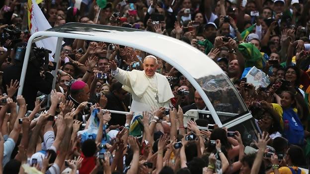 Francisco a los jóvenes: Aliméntense de su fe y no se empachen con otras cosas