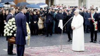 El Papa Francisco rindió homenaje a la Inmaculada Concepción