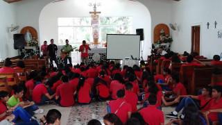 La misericordia llega a más de 120 jóvenes
